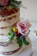 Naked Cake & Fresh Flowers